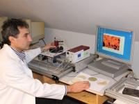 Fluoreszenzmessung an algenbesiedelten Oberflächen